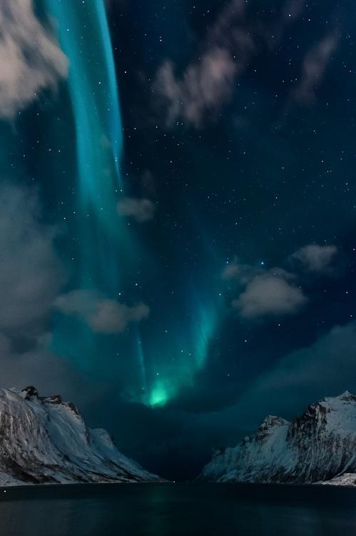 Auroras: What makes them happen? (3/6)