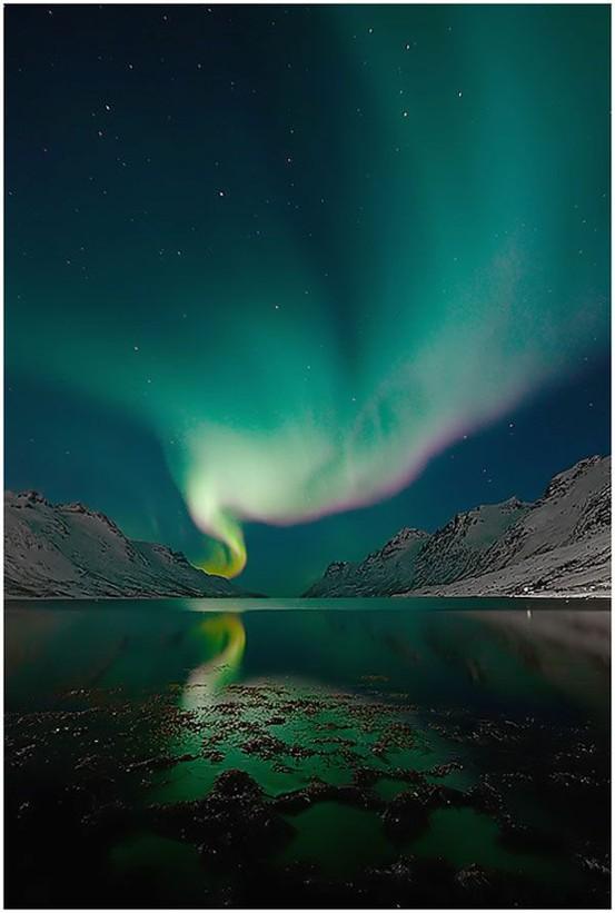 Auroras: What makes them happen? (2/6)