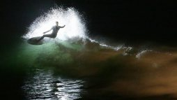 night-surfing