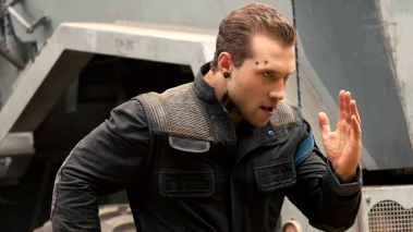Jai-Courtney-Insurgent