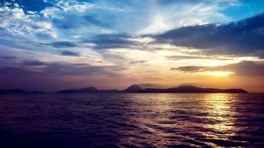 sea_sunset_rocks_101149_1920x1080
